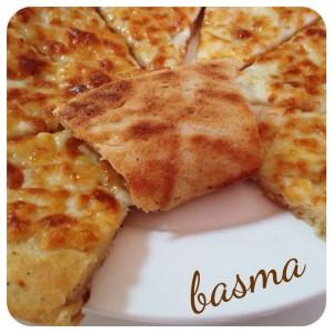 بيتزا بالدقيق الأسمر